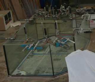 水槽職人工房で製作中の新水槽
